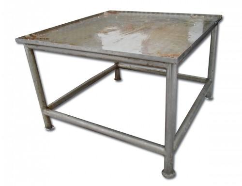 Roostevaba laud